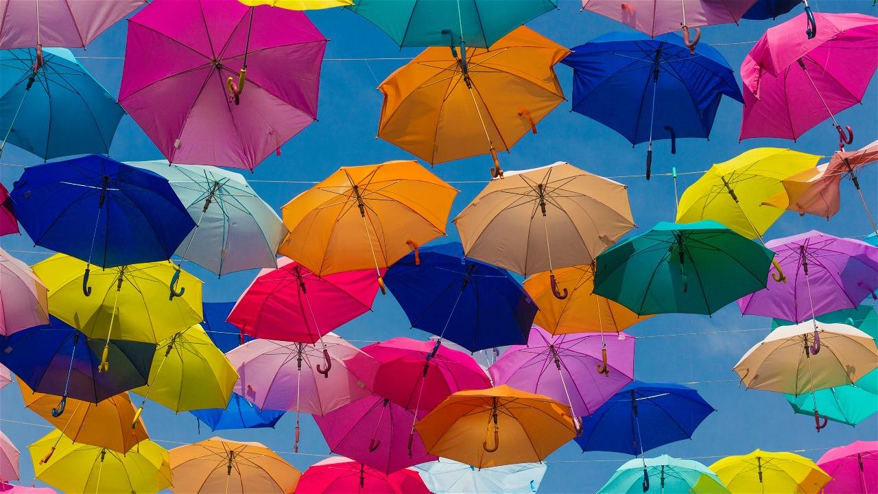 Verschillende kleuren paraplu's